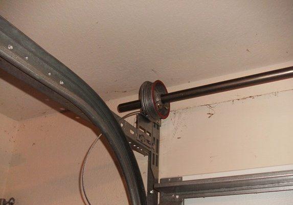 Garage Door lift cable